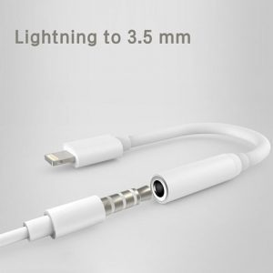 iPhone-lightning-to-3.5-mm-headphone-jack-adapter